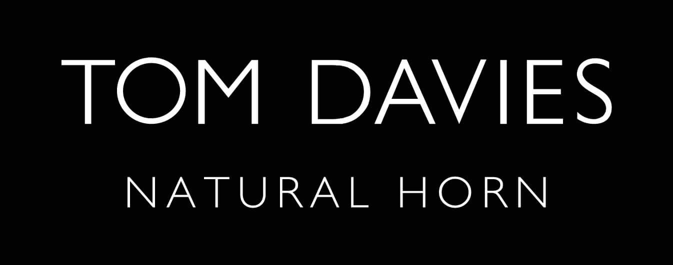{008}TOM DAVIES NATURAL HORN logo