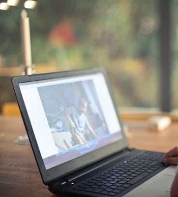 boy-watching-video-using-laptop-821948